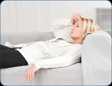 symptome einer erk ltung kratzen im hals kribbeln in der nase fr steln. Black Bedroom Furniture Sets. Home Design Ideas